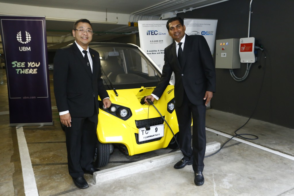 Mr. M. Gandhi, Managing Director (ASEAN Business) of UBM Asia (Thailand) and Dr. Yossapong Laoonual, President of The Electric Vehicle Association of Thailand (EVAT)